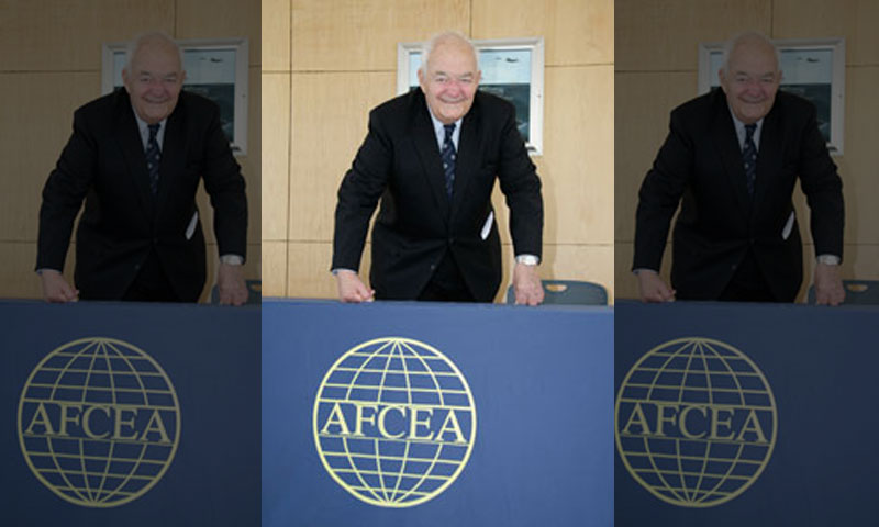 In a lecture sponsored by the Monterey Chapter of AFCEA, The Honorable Thomas C. Reed presented the NPS community with a nuclear proliferation discussion and book signing. Reed was the 11th Secretary of the Air Force and worked closely with President Reagan to end the Cold War.